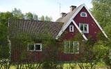 Aspanäs kombinerad hållplats och banvaktstuga 2008-06-25