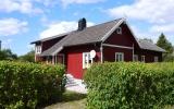 Banvaktstuga och hållplats vid Alva kyrka, 2013-08-23