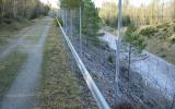 Banvallen från Ulricehamn mot Jönköping går högt över länsväg 157, 2011-04-23