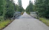 Banvallen med bro vid Björnhyttan station 2018-06-29