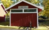 Blåningsmåla godsmagasin flyttat till Rävemåla hembydspark 2013-10-06