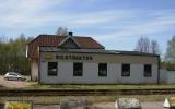 Broaryd station med exeptionellt ful tillbyggnad, 2011-04-25