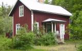 Dalsjö, kombinerad banvaktstuga och hållplats 2012-05-26
