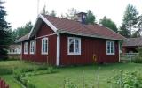 Ekebyholm kombinerade hållplats och banvaktstuga 2016-06-25