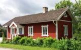 Finnshyttan kombinerad hållplats och banvaktstuga 2017-06-05