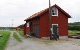 Godsmagasin vid Bärby station 2016-06-26