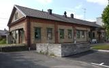 Hästveda station, från gatusidan, 2013-07-05