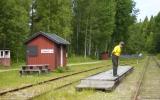 I väntan på tåget vid Ömmeln station 2012-06-27