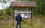 Info-tavla om stationen Ideholm, som en gång fanns där skjutfältet ligger idag, 2007-07-28