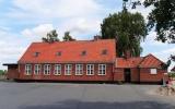 Kirke Hyllinge station från gatan 2018-08-06