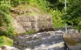 Rester av järnvägsbro över Emån i Fliseryd 2007-07-14