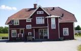 Ringarum station, från gatusidan 2011-06-28