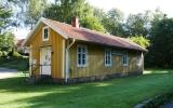 Simlångsdalen kombinerad hållplats och banvaktstuga 2015-08-09