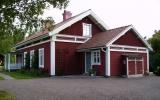 Skärkind station 2011-06-25