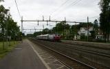 Tåg förbi Stenstorp på Västra Stambanan 2010-07-05