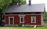 Timansberg kombinerad hållplats och banvaktstuga 2017-06-05