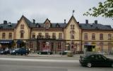 Varberg station från gatusidan 2010-05-14