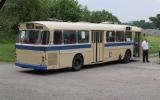 Veteranbuss tillhörande Svenska Spårvagnssällskapet, väntande på passagerare i Selknä 2016-06-26