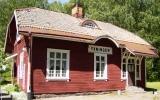 Yxningen station från spårsidan 2011-06-28