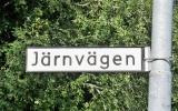 """""""Stationsvägen"""" i Lindefallet heter """"Järnvägen"""" 2018-06-20"""
