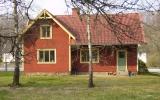 Älmeboda station från spårsidan 2008-04-26